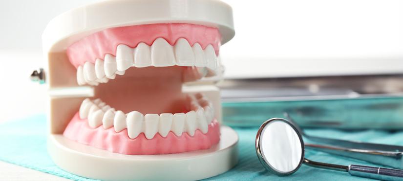 Какие особенности строения верхней челюсти следует учитывать при проведении на ней дентальной имплантации