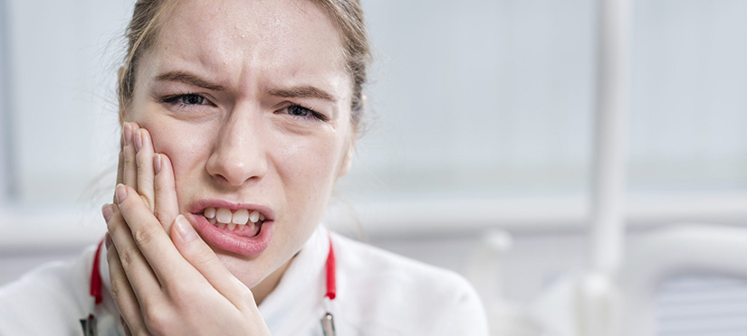 Чем опасна киста на корне зуба